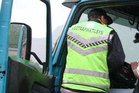 Tiltak: Det ruller altfor mange farlige vogntog på norske veger. Ill.foto