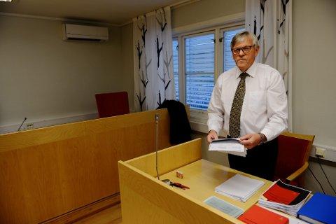 Advokat Kåre Lund i Vågå er oppnevnt som forsvarer for mannen som er siktet etter dødsfallet på Vinstra i går ettermiddag.
