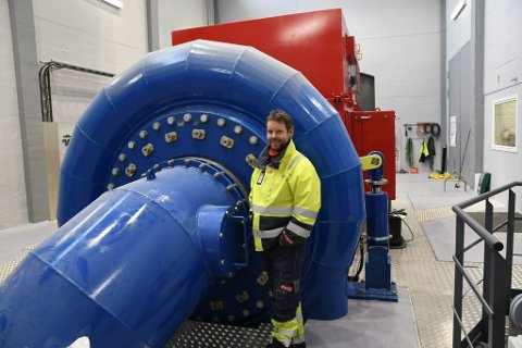 Prosjektleder Kjell Stålevik ved et av anleggene som er ferdig oppgradert.