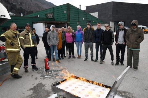 Russekullet ved den videregående skolen i Nord-Gudbrandsdal fikk både råd og informasjon som er viktig å ha med seg både i russetiden og videre i livet.