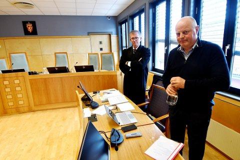 Proesessfullmektig for Lillehammer Olympiapark i lagmannsretten, var Aslak Runde (t.v.). Tidligere direktør i Lillehammer Olympiapark, Hans Rindal (t.h.) var med i behandlingen i lagmannsretten.