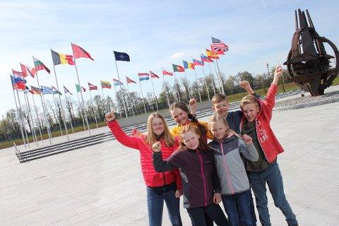 6. klassingene fra Messenlia skole fikk besøke Natos hovedkvarter i Brussel.