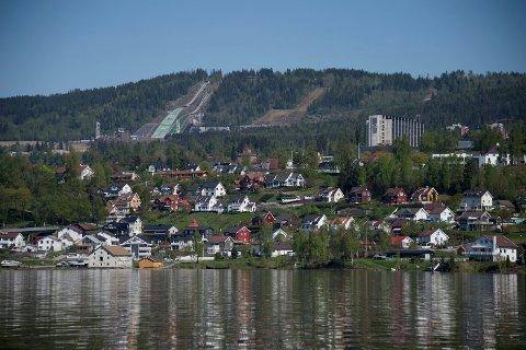 STØRRE KOMMUNER: Det hadde vært spennende med en debatt om både grenseflytting, samt færre og større kommuner rundt den nordlige delen av Mjøsa, skriver innsenderen.