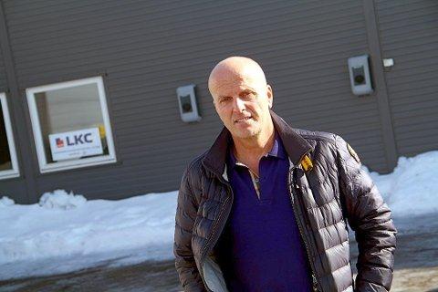 SNUDD PÅ HODET: Daglig leder Lennert Kristoffersen i LKC AS fikk store problemer med å drive selskapet, da han mistet alle sine ansatte nesten på en gang. Selskapet hadde 22 ansatte da dette skjedde. Foto: Magnus Franer-Erlingsen