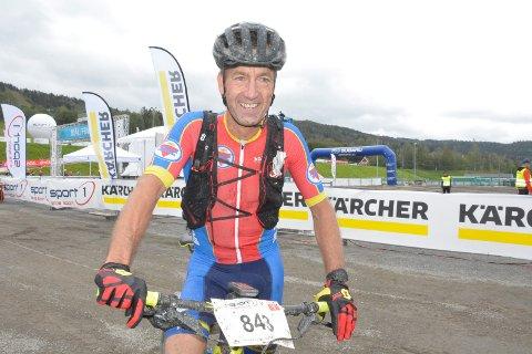 Travelt: Geir Nysveen Brumunddal Sykleklubb syklet raskere enn noen gang. Han hadde noen viktig å rekke....