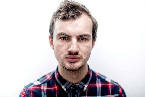 Benjamin Lønne Røsler fra Lillehammer spiller rasisten Joakim i TV-dramaserien «22. juli» på NRK.