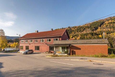 Johan Kridih og Guri Stubberud ønsker å selge det gamle Coop-bygget på Fåberg for å frigjøre kapital til å videreutvikle satsingen på salg av økologiske mat i lokalene. *** Local Caption *** Fåberg samvirkelag Agrossist Brunlaugbakken 16 Fåberg Johan Kirdih Guri Stubberud