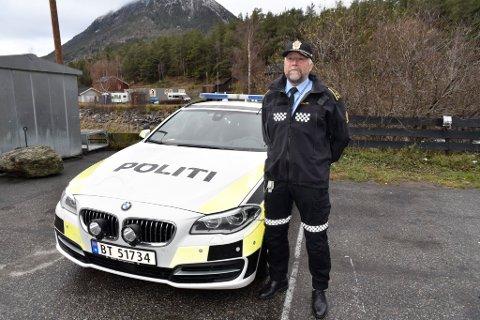 Jonny Gundersen har selv hatt utrivelig opplevelse i møte med bil på Riksveg 15.