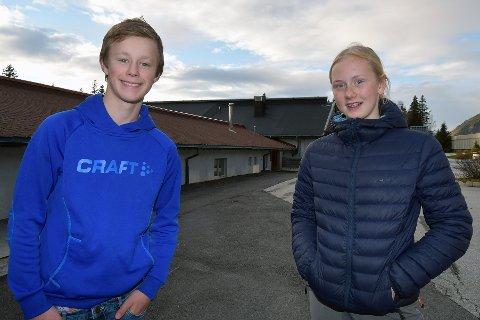 Emil Brenden (14) og Ingebjørg Brandstad Sandbuløkken (14), elevrådsrepresentanter for 9. trinn ved Harpefoss ungdomsskole.