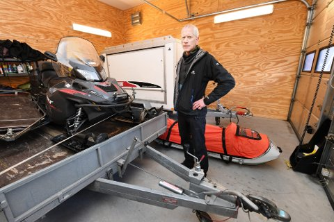 Albert Lunde i den alpine fjellredningsgruppa koordinerte aksjonen til personell fra fjellredningsgruppa som tok seg fram til de to  fjelllfaste.