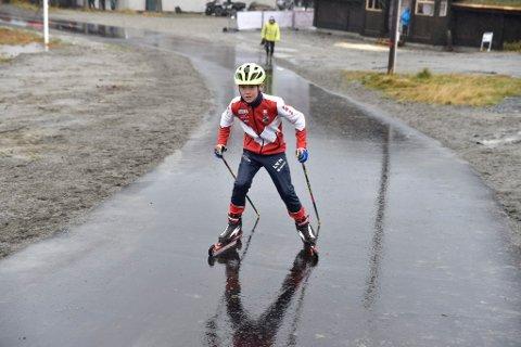 Oliver Wadahl var først ut fra startstreken i den flunkende nye anlegget på Gålå.