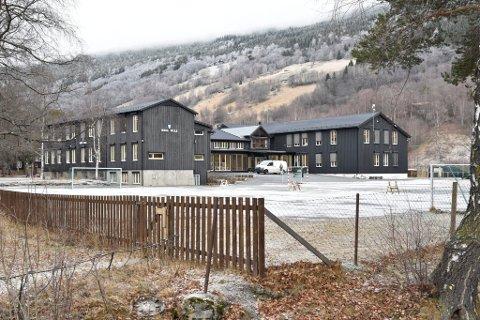 Ungdomsskolen i Heidal får hjemmeundervisning denne uka. 7. klasse er i karantene.