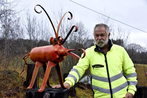 LANGS FÅBERG KULTURSTI: Svein Fåberg syntes å sveise sammen skulpturer av gamle materialer er det morsomste innenfor håndverk.