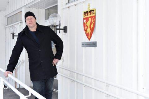 Advokat Anders Gustav Bjørnsen er bekymret for framtida til tingretten i Vågå.