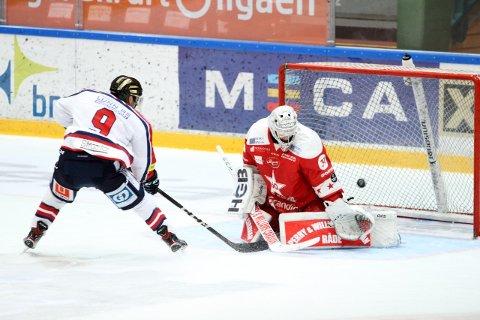 Austin Cangelosi er iskald alene mot Jørgen Hanneborg og utligner til 2-2