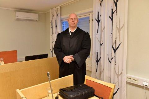 Advokat  Anders Gustav Bjørnsen forsvarer tiltalte.