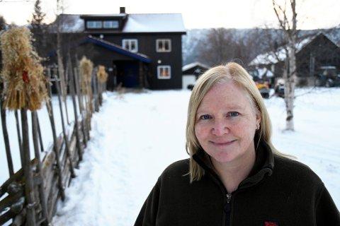 En oldefar fra Heidal var den eneste forbindelsen Anette Johannessen (52) hadde til Gudbrandsdalen da hun flyttet til Lesja. SVEIP FOR Å SE FLERE BILDER