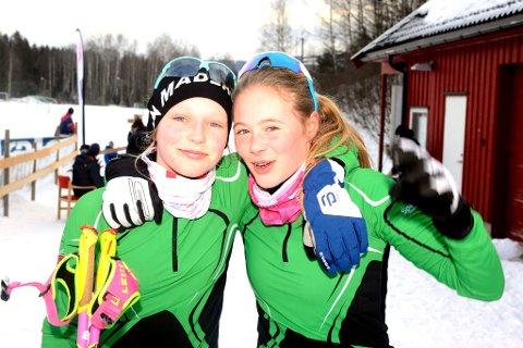 Roterud-jentene Elise Retterås (t.v.) og Katrine Slettmo, koste seg på GD-cup i Rudsbygd.