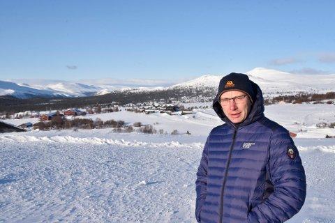I juni overtar Tore Lyftingsmo Høvringen Fjellstue. Da kan han by fram ett fjellhotell, to fjellstuer, flere hytter og leiligheter.