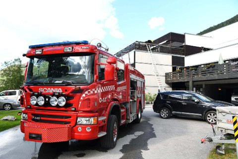 44 beboere ble evakuert da det oppstod brann og røykutvikling i tredje etasje av Sel sjukeheim på Otta 14. juni i fjor.