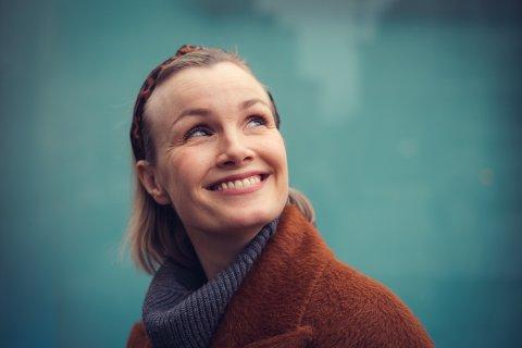 - Jeg sa ja med en gang, sier skuespiller Lena Kristin Ellingsen om sommerjobben på Gålå.