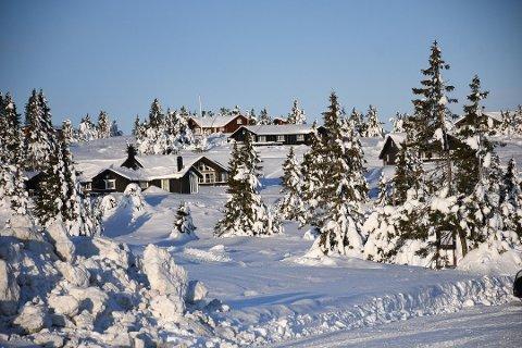 FORBUD: Torsdag ble forskriften som forbyr folk å overnatte på hytter utenfor egen kommune vedtatt. Illustrasjonsfoto: Asgeir Høimoen