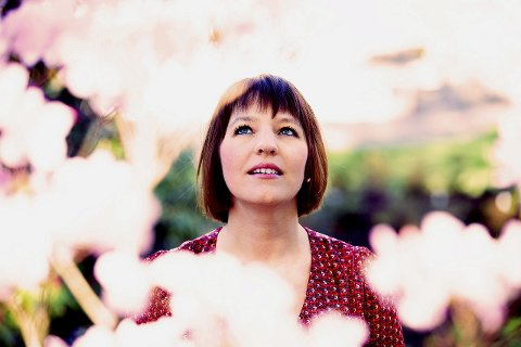 Mari Skeie Lones slepp sitt andre album med sitte musikalske og litterære prosjekt «Spring du fela».