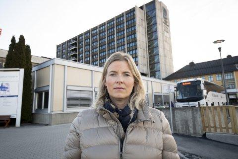 SAMHANDLING: Utskrivningsklare pasienter koster kommunen og ordfører Ingunn Trosholmen mange millioner.