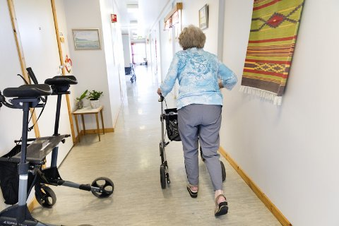 UTFORDRER: Pensjonistforbundet har bedt regjeringen bevilge ytterligere 400 millioner kroner til kommunene – øremerket sårbare eldre, som har fått merke konsekvensene av krisen på så mange og til dels hjerteskjærende måter, skriver Per E. Furseth.