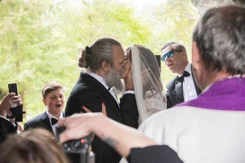 Stig Bareksten (47) og Hilde Haverstad (45) giftet seg i Christian Foss sin Konow Lund-villa på Skjoldnes.