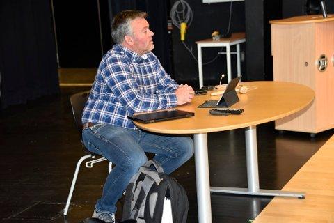 Da det ble stilt spørsmål ved ordføreren sin habiltet, tok Bajrne Eiolf Holø på eget initiativ konakt med kontrollutvalget og ba om at utvalget gransker saken.