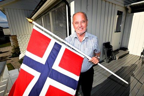 Fred Olav Olsen i Søre Ål ble født 7. mai 1945. Samme dag skjønte folk i Norge at krigen var over, og flaggene gikk til topps over hele landet.