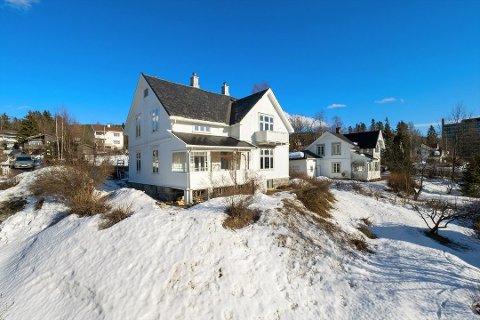Barndomshjemmet til Atle Antonsen, Emma Gjelens veg 6 i Lillehammer ble i 2018 solgt for 5,25 millioner kroner. Nå er den solgt videre for 8,8 millioner.