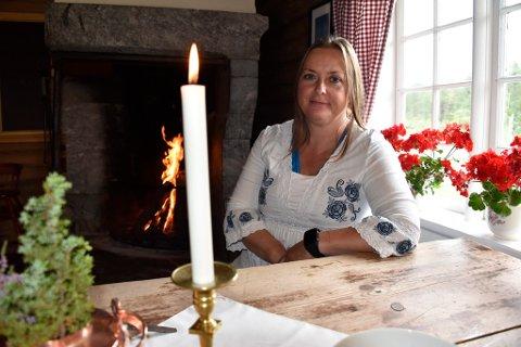 Anne-Mari Sandvær og familien har bygd opp Kalven seter ved Lemonsjøen. I 2013 åpnet Baristabudeia kaffebar i ett av husene.