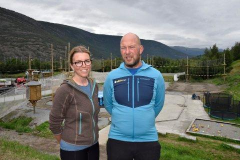 Elin Husom Slålien og Jan Slålien i Aktiv i Lom AS har bygd turistmagnet like ved Lom sentrum.