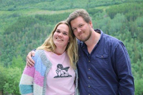 Trine og Olav held framleis kontakten, men 25-åringen frå Vågå er ikkje heilt sikker på om ho vil kalle dei kjærestar.