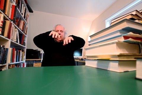 Forfatter Ingar Sletten Kolloen forklarer puslespillet bak andre bind i bokserien «Under krigen».