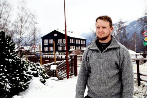 Halvor Øverli sleit gjennom heile ungdomsskulen og deler av barneskulen. I år er det akkurat 20 år sidan han fekk hjelp.