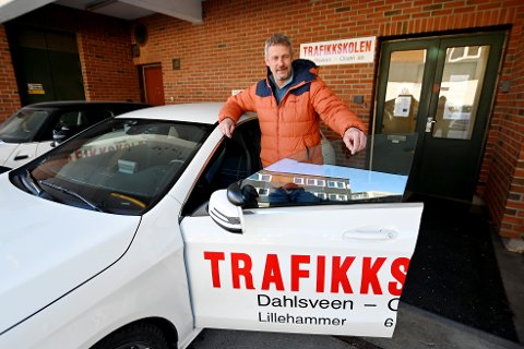 Odd Magne Olsen, daglig leder og sjåførlærer ved trafikkskolen Dahlsveen & Olsen i Lillehammer.