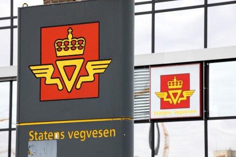 Statens vegvesen har gjeve verkstaden ein advarsel. Dagleg leiar legg seg flat.