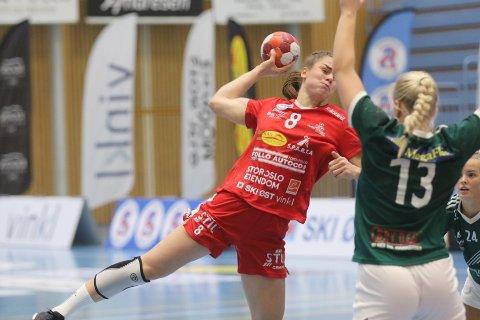 Katarina Ugland har markert seg i årets 1. divisjon med flere skåringer fra sin backposisjon.
