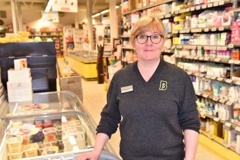 Ellinor Torsgård Solheim er daglig leder i butikken på Bjorli.
