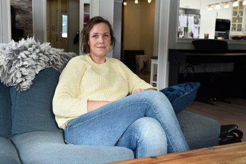 Ordfører i Dovre, Astrid Skomakerstuen (34) er gravid og gir fra seg ordførerklubba i et drøyt år.