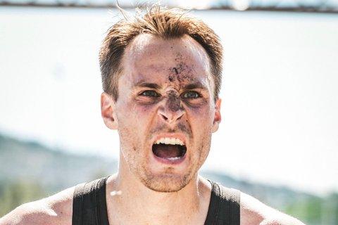 I starten var jogging et nødvendig onde. Nå synes Gunnar Kaus (32) det er artig å konkurrere mot seg sjøl - og det er en interesse han deler med flere.