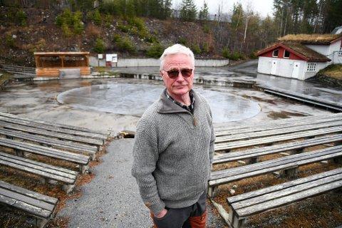 Trond S. Skurdal konstaterer at det heller ikke i år blir countryfestival i Kåja på Vinstra.
