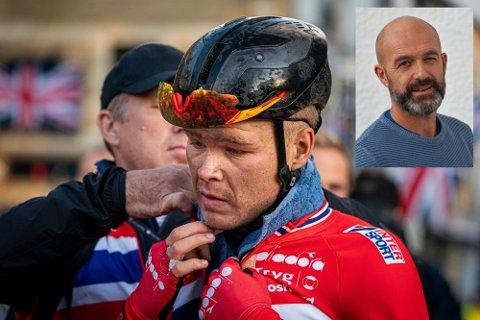 Alf Magne Foss gleder seg over sønnens prestasjoner i det store sykkelrittet i Italia.