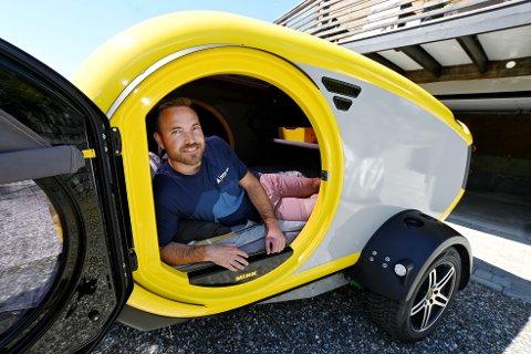 Eivind Gjørven Opsahl satser alt på Mink camper og taktelt til bilen. I fjor sa han opp fast jobb.