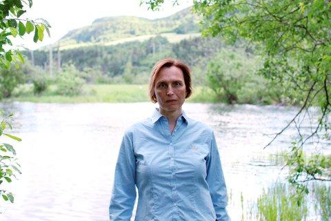 Karina Ødegård, MDGs toppkandidat til Stortinget for Oppland, vil lenke seg fast hvis det blir endelig bestemt at den nye E6-brua skal bygges gjennom det verna Lågendeltaet.