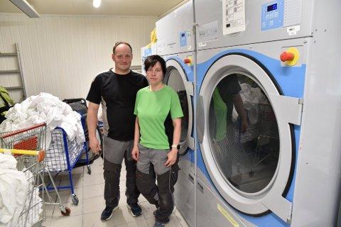Vaskeriet er et av områdene i bedriften som skal få større plass. Det gleder Ruben Rusten og Jurgita Ciuprinskaite seg til.