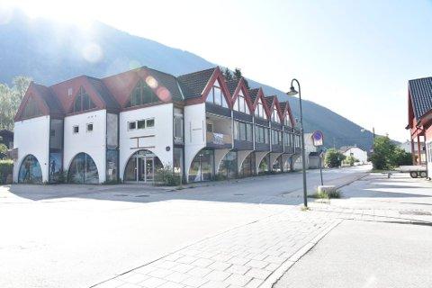 Eieren av det såkalte Skeidarbygget i Otta sentrum har fått klarsignal fra Statsforvalteren til å sette i gang med endring av eiendommen.